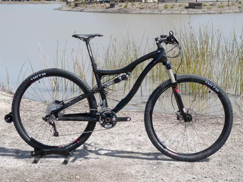 soc2011-2012-titus-racer-x-carbon-29er-mountain-bike02
